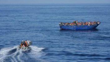 La Marine royale porte secours à 93 Subsahariens au large de la Méditerranée